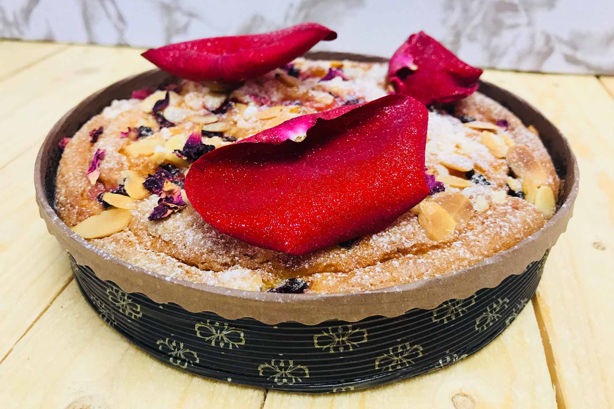 womens day almond cake with Novacart MBB baking mold