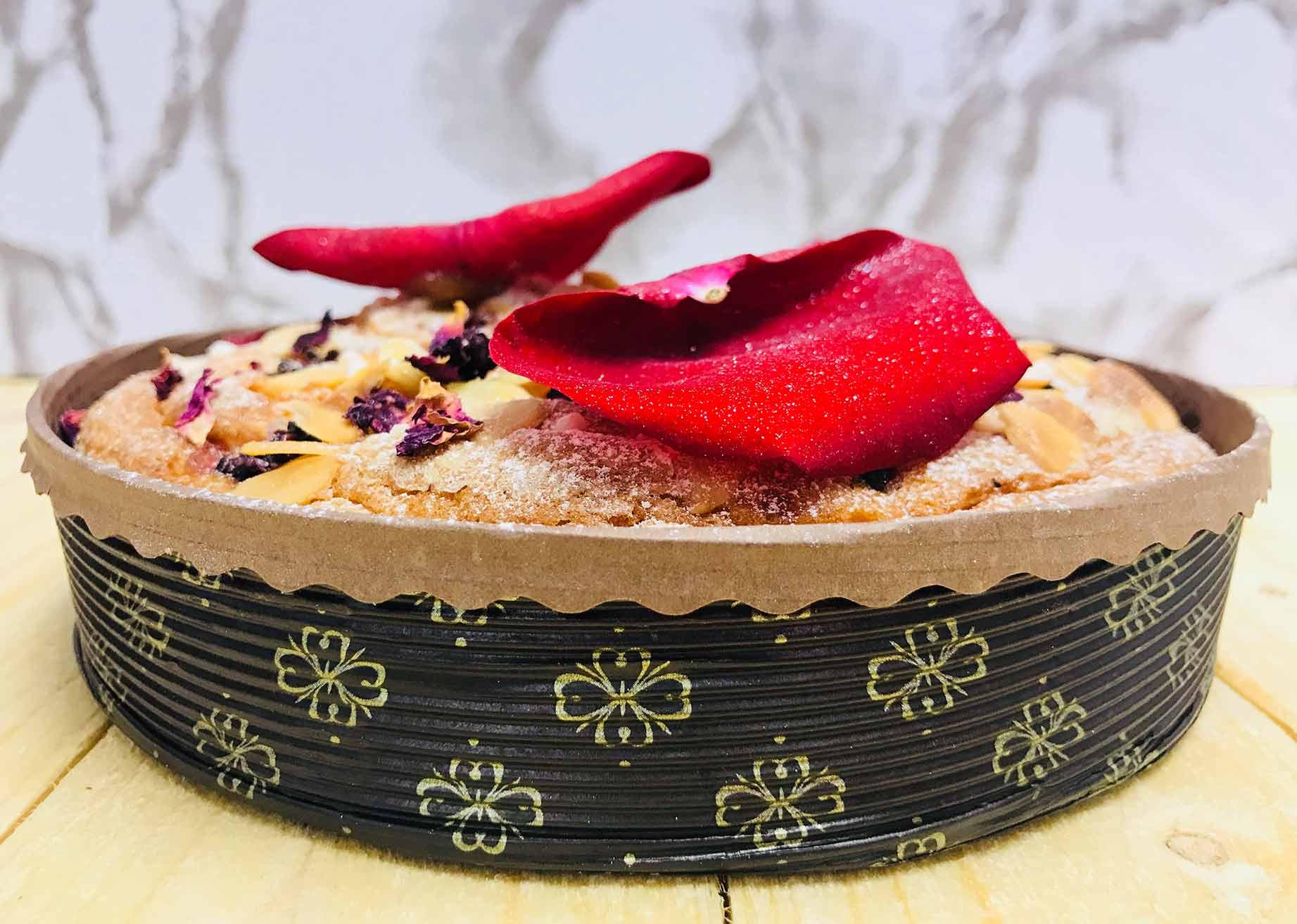 MBB Novacart baking mold and women's day almond tart