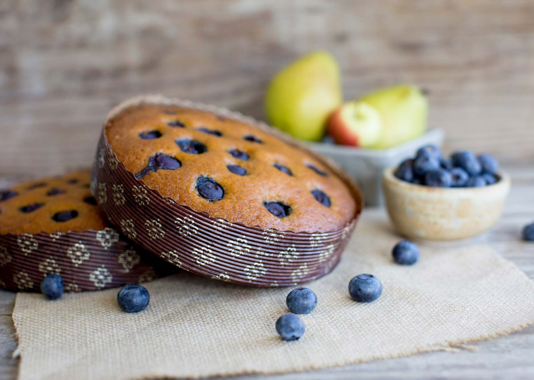 pear and blueberry cakes in novacart MBB baking mold